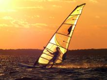 10 Sunset windsurf