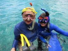 17 Peggy & Denise snorkeling