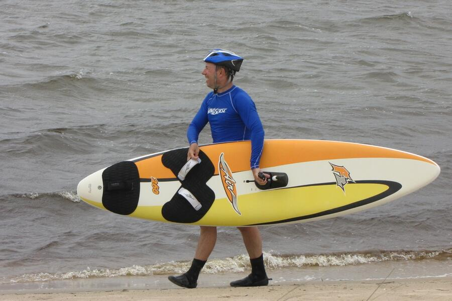 22 Philip carrying board