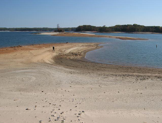 Bozo_Island_low_water