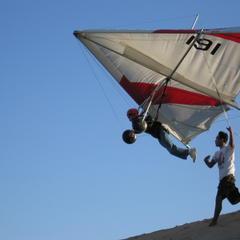 17_Launching_hang_glider